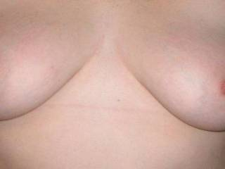 love her nipples...here they are uncovered!