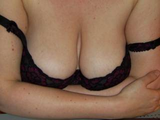 what do you think of the cleavage? would you cum all over them?
