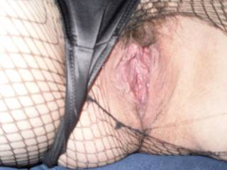 I LOVE this beautiful hairy pussy. I'd love eating her before I fuck that sweet pussy.