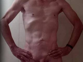 I am looking for a video partner to use my dick so we both have some more video to post on this site. You up for it?