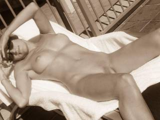 mmm i'd love to be between your legs giving you a nice licking while you lay out by the pool!
