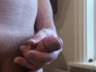 I would love to be kneeling in front of you licking and sucking on your cock mmmmmm