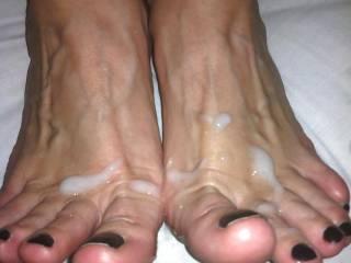 My Boyfriend loves to cum on my sexy toes
