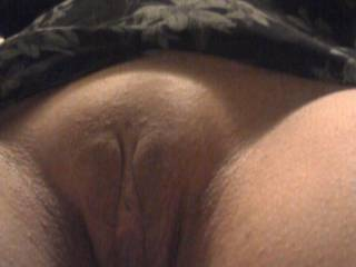 Yea like I do to my pussy at work look at my videos I cum always in the ladies room. I use one hand on my clit and one on the camera and as soon as a giri sits in the stale next to me  I'm off to the races til I cum Try it works every time for me Much love