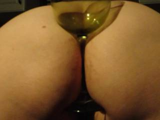 Could I fill that ass first, then cum in the glass for her??