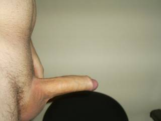 ladies want to suck and fuck my long cock!!