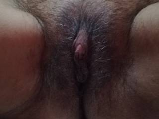 A NICE VIEW OF MY FRIEND\'S HAIRY AND JUICY CLIT