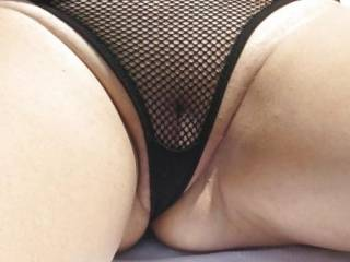 I like nice tight fitting panties against your smooth shaved cunt. Would like to fuck your cunt with those panties on