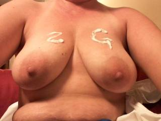 Wonderful looking tits and yes those nipples look so suckable.