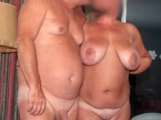 Hmmmm !!  Hot Horny couple ! Can I join you and play with your Sexy Bodies !! Hmmmm !!