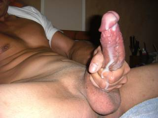 hombre..hot cock. like those shaven balls very much