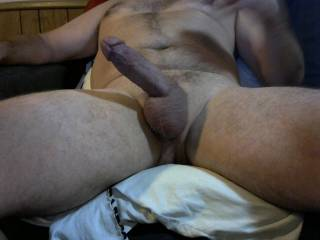 should I let my pubic hair grow? you like hairy men? plz let me know