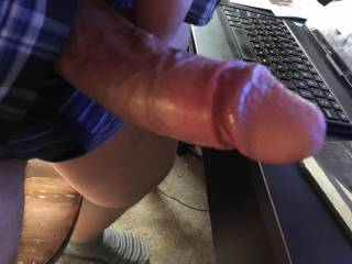 Jerking off to videos on Zoig of women masturbating and cumming loudly! Guaranteed to make me squirt.