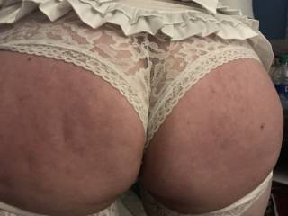 I need someone to claim and make me back this ass up on a thick throbbing and long cock taking every inch. Who wants to own pound and punish this ass and tight wet pussy from behind?