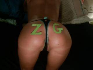 Showing ZG members some love. Smack my ass!!!