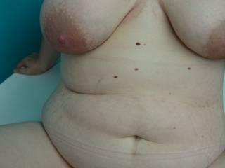 Mmmm yummy body, nice tits nice plump fanny, yes def 100% real, all woman xxx