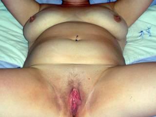 Her big loose cunt looks amazing !
