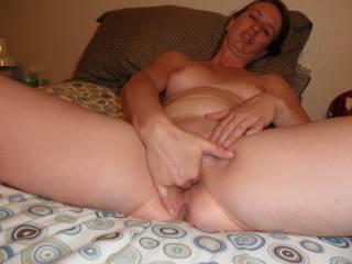 mmm i love stretching my pussy