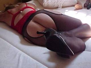 mmmmmmmm just imagining what could cum next as I see those toys over there.  wonderfully sexy lingerie, toys, sexy lady....perfect!
