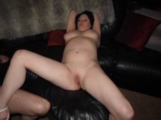 mmmmmmm i would love to kiss you from your feet right up to your neck, spending lots of time on your soft smooth pussy and nice round tits