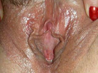 mmm me please ...wow your pussy looks absolutely gorgeous love to lick it for you mmmmm yummy xxxxlol