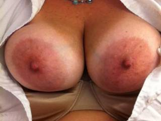 I want to see her amazing tits wrapped around my hard cock...