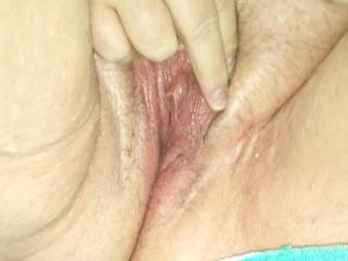 I would love to make a meal out of that wet juicy pussy. Mmmm suck and nibble that hard clit