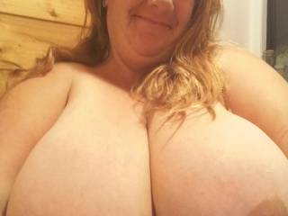 Heres a pic 4 all u boys that loves my huge tits