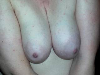 That cleavage is screaming for a cock!