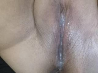 Who wants to fuck this creamy pussy ?