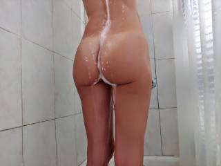 loves white cream dripping down