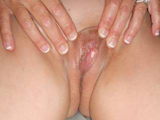 Beautiful pussy I would like to spend a long time eating that and making you squirm before I slide my rock hard cock deep and fuck it good and hard.