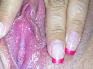 Your pussy is so tasty, it makes my mouth watering just to thing about licking it! Would love to suck your nice pussy lips and lick your clit! Wanna do it until you have many orgasms!