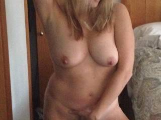 Omg wow beautiful, you have a gorgeous sexy body and my God would I love to be naked with you now and be gliding my lips all over your soft naked skin x