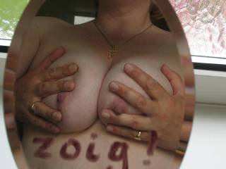 I wanna suck those sweet nipples.....mmmm