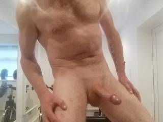 Who wants to suck my shaven dirty cock