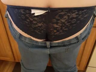 black undies to the matching black bra shot ealier yall like my ass?