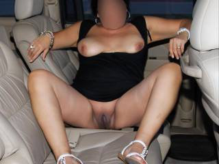 Flashing my big tits and smooth pussy in the backseat while parked in a strip mall parking lot!