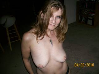 Love those tits and luscious nipples. I want to run my lips and tongue over those.