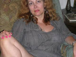 "Anna is a mature hotwife available for men with cocks over 10""."
