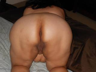 beautiful ass and pussy, and what i want more?, a warm and soft belly, tits and nipps.