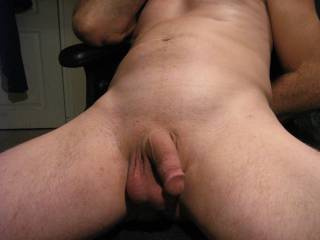 mmmm....  Great looking Cock !!  Would love to Suck it hard and have you bend me over, Fucking me to please you !!!