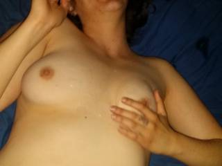 So sexy nice lil cumshot on Megs perfect tits