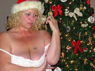 To all the naughty guys and gals in Zoigland  HAPPY HOLIDAYS!!!  Kisses and Licks