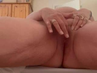 Maggy feeling horny and needed an orgasm...... of course she wanted me to know and see, as I was in her mind