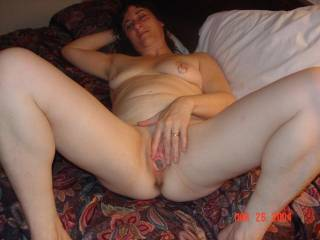 nice spread!!! can i spend the night between those spread legs!!