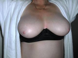 Oh yes, all your pics are great. Lobe those big sweet boobs of yours.