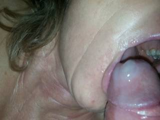she swallow all my cum,and she like that...