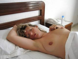 My love of  woman who shows her pretty little breasts to find out, would you like to enjoy it?