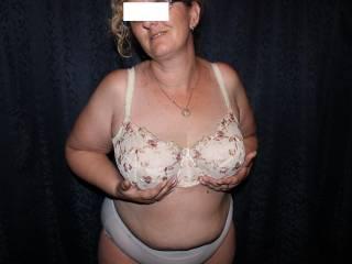 Bangable bra-bound bbw boobies!